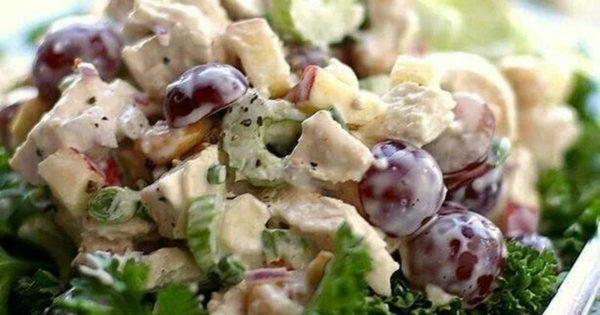 Виноградно-яблочный салат