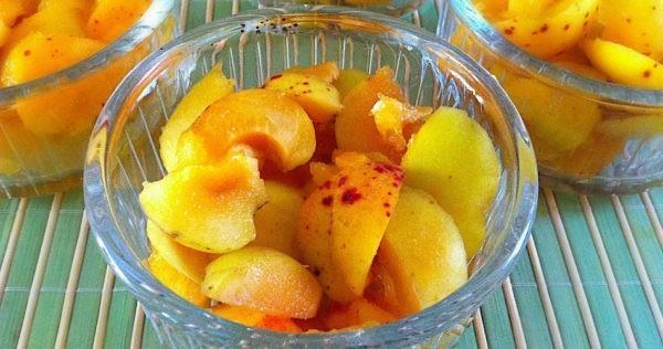 Детский салат из абрикосов